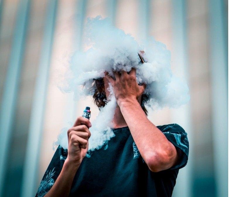 Ministerium für Gesundheit und elektronische Zigaretten: Verordnung 02-09-2014 über den Verkauf an Minderjährige