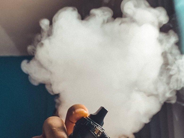 Wie macht man mit einer elektronischen Zigarette viel Rauch?