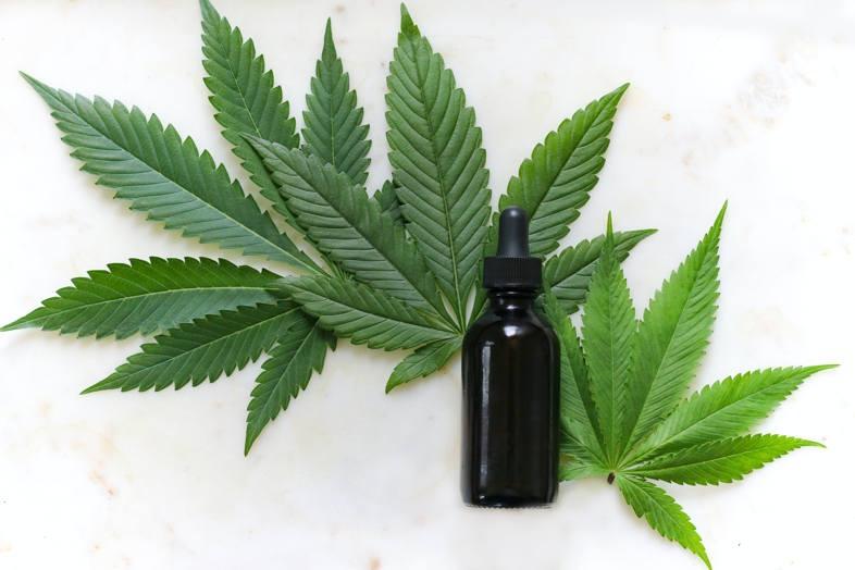 Marihuana-Flüssigkeiten leicht gegen Flüssigkeiten mit Unkrautgeschmack