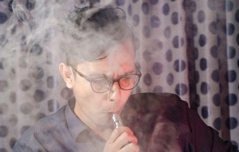 Wangenschuss-Zerstäuber mit elektronischer Zigarette