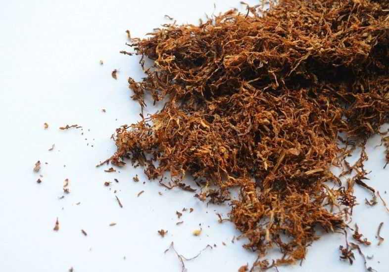 Elektronische Zigarette mit flüssigem Tabakgeschmack, um mit dem Rauchen aufzuhören.