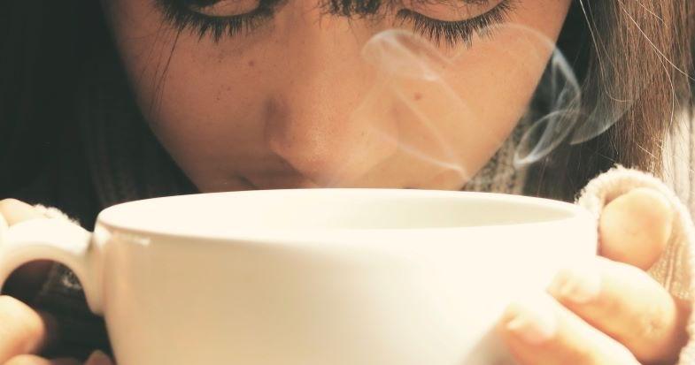 Kaffeeflüssigkeit für elektronische Zigaretten, die an den Duft einer Tasse erinnert