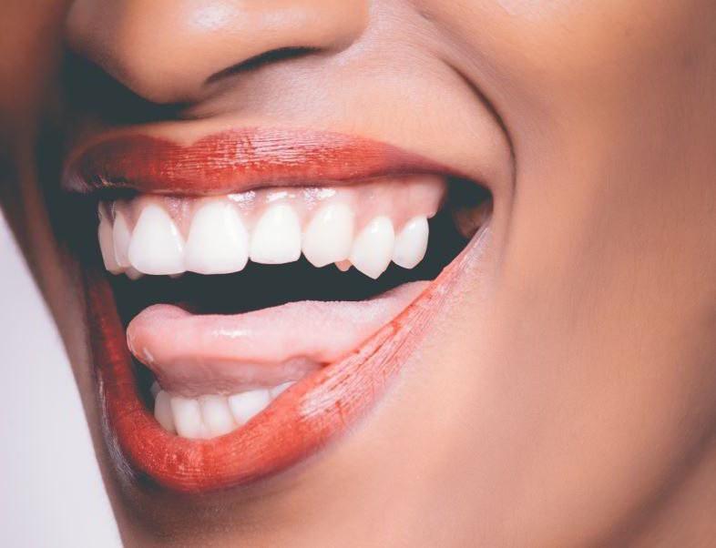 Die elektronische Zigarette und Mundgeruch